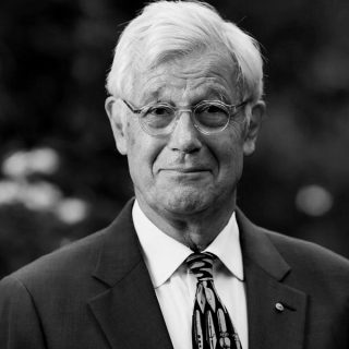 https://www.climateemergencysummit.org/wp-content/uploads/2020/02/JulianBurnside-1-320x320.jpg